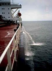 Ship_pumping_ballast_water